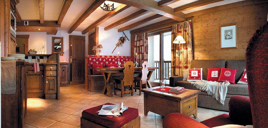 France_LesArcs_Les-Alpages-de-Chantel-Apartments_living-area2.jpg